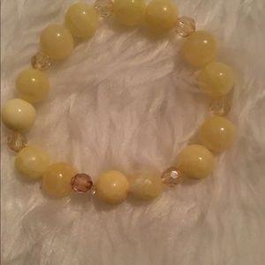 Yellow beaded stretchable bracelet